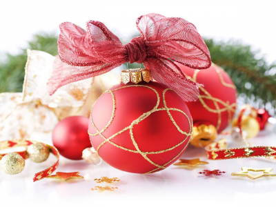 Christmas Ornaments Colored Wallpaper